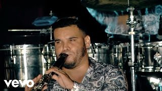 Смотреть клип Banda Carnaval - El Coyotito Medley