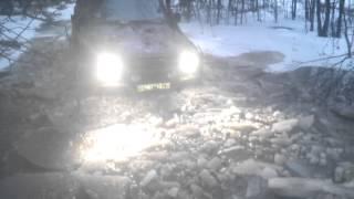 джип ушел под лед полностью,но выбрался сам. Жестяк.