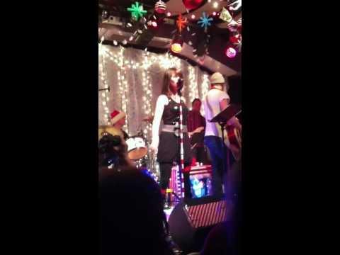 Rachel Beauregard - All I Want For Christmas Is You
