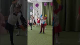 """Gambar cover Танец """"Долоньки"""" маленьких деток! Садик """" Золотой ключик"""".💞💞👏👏👏🤗🤗🤗❤️⭐⭐⭐⭐⭐"""