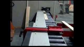 Timme Stapelautomaten GmbH - Kleine Mechanisierung einer WEINIG Hobelmaschine