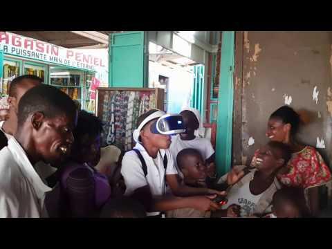 Demonstration Playstation VR in Ivory Coast Market