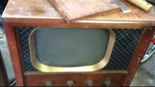Three Vintage 1950s Tube TV Sets Get Parted Out