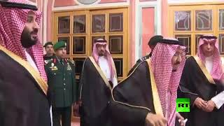 الملك سلمان وولي العهد يستقبلان أفرادا من عائلة خاشقجي