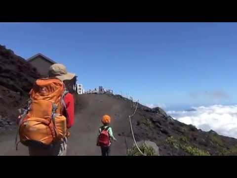2歳児の富士山ハイキング(6合目まで)