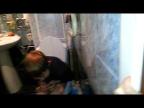 Девушки какают под скрытую камеру