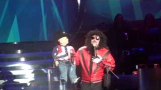 Terry Fator and Walter T. Airedale--Michael Jackson