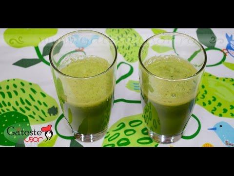 Smoothie verde cu pătrunjel şi avocado