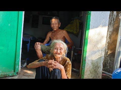 Vợ Chồng 90 Tuổi Nhặt Ve Chai Rạng Ngời, Gặp Ai Cũng Khoe Vừa Sắm được Vàng