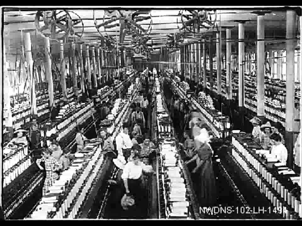 living and working conditions during the industrial revolution