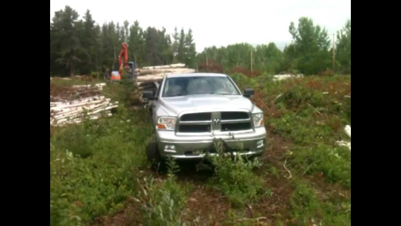 Ram 1500 pulls Gooseneck with 3 axles OVERLOAD - YouTube