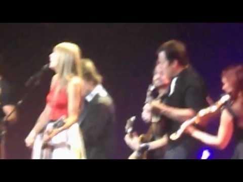 TAYLOR SWIFT - 'Mean' at RED TOUR 2013 Kansas City, MO 8.2.13! HD/HQ