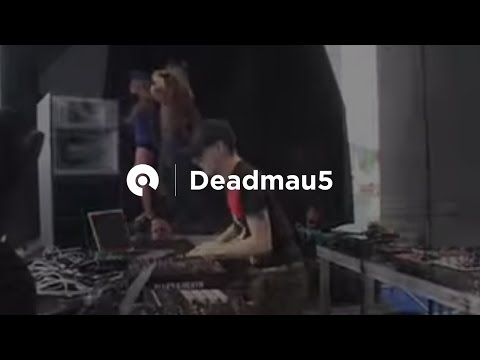 mix of Ghosts n Stuff & Moar Ghosts n Whatever  DeadMau5 @ Space Opening 2009, Ibiza