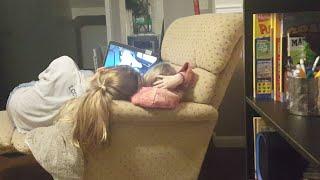 Sib Girls Watching CollinsKey