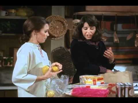 RHODA S02E12  Friends and Mothers