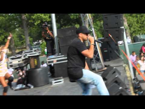 Gimme The Light - Sean Paul (Live Performance) | Oracabessa Festival 2015 Thumbnail image