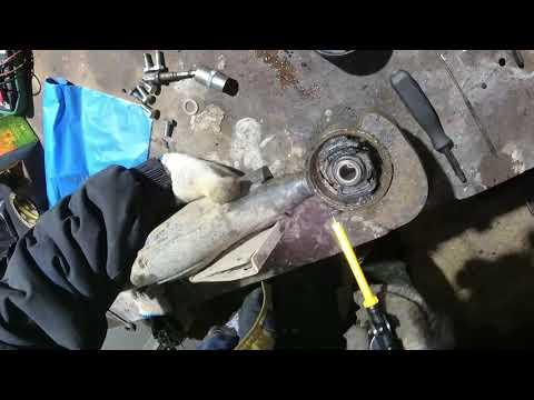 Nissan Elgrand E50: ремонт поперечной тяги (Понара) в гараже своими руками.