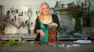 How To Make An Underwater Rose In A Vase : Floral Tips & Ideas