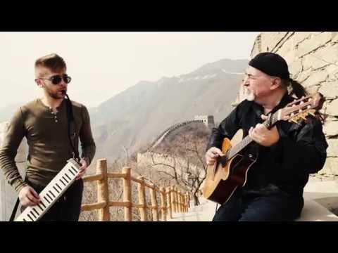 Funny Improvised Potpourri – Igor & Slava Presnyakov at the Great Wall of China!