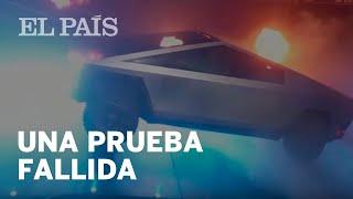 """El cristal """"indestructible"""" del nuevo vehículo de Tesla se rompe durante su presentación"""