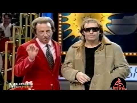Mike Bongiorno e un Vasco Rossi ubriaco, strafatto e intrippato come non mai (bocca impastata) 1984