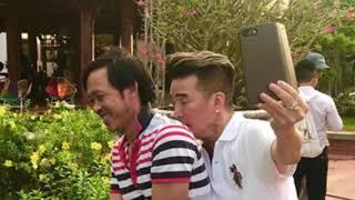 Hành động bất ngờ của Đàm Vĩnh Hưng khiến Hoài Linh phì cười