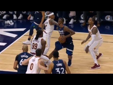 Clotheslining Extraordinary Isaiah Thomas Ejected For Clotheslining Andrew Wiggins Cavs Trail