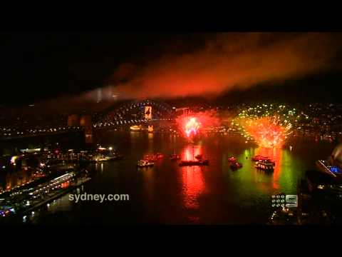 Sydney - New Year's Midnight Fireworks 2013 - High Quality - Full Show