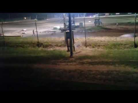 Midway speedway dirt track racing 4 cylinder feature we broke down