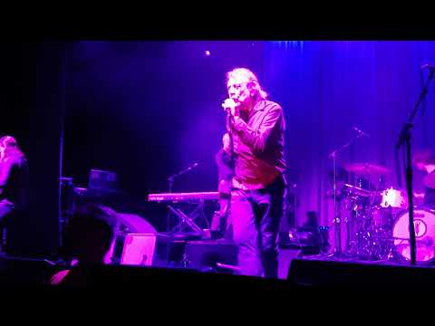 Robert Plant WHOLLE LOTTA LOVE at...