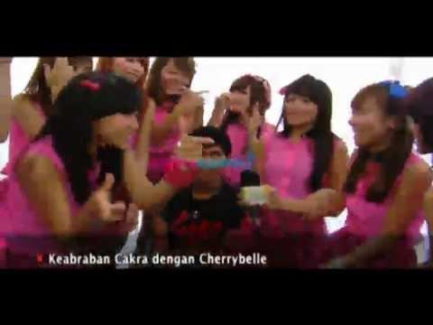 Kedekatan Cakra Khan dengan Girlband Cherry Belle - WasWas 24 Jan 2013