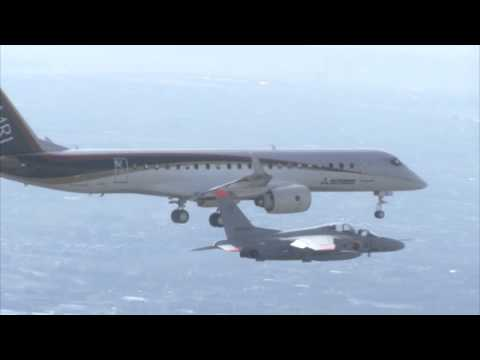 Mitsubishi Regional Jet MRJ90 First Flight [HD]
