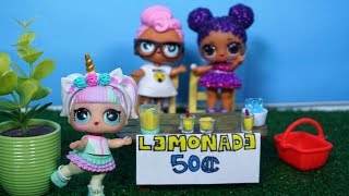 LOL SURPRISE DOLLS Set Up Lemonade Stand To Earn Money!