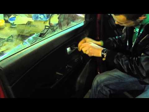 Как снять обшивку с двери автомобиля Kia Rio (Киа Рио)