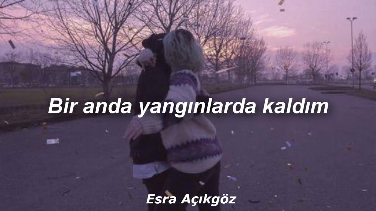 Berkay Altunyay - Sanki Hevesim Hiç Kırılmamış Gibi (Akustik)  Lyrics