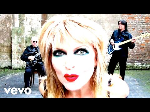 Toyah & The Humans - These Boots Are Made For Walkin' (Version 1) ft. Robert Fripp