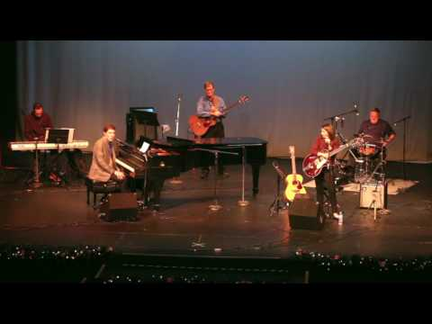 Jason & Meagan Play Chet Atkins' Freight Train & Floyd Cramer's Last Date