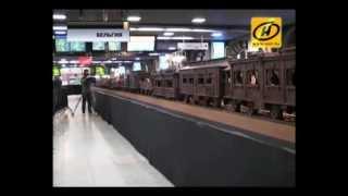 Огромный шоколадный поезд в Бельгии, видео(Длина сладкого состава 35 метров, а весит он больше тонны. Подробности: http://ont.by/news/our_news/ © ONT.BY., 2012-11-20T08:43:39.000Z)