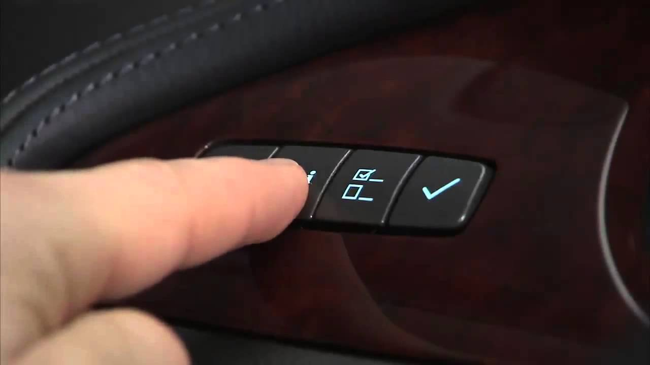 Buick LaCrosse: Driver Information Center (DIC)