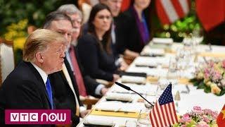 Ông Trump thưởng thức chả cá, nem Hà Nội | VTC1