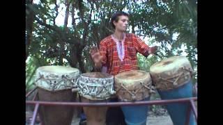 Смотреть клип Nicolas Leroy - Bugarabu/Bougarabou Solo онлайн