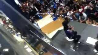 2012年10月27日(土)16時ごろ。 伊丹イオンに栗原類が来るというので見...