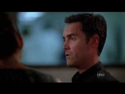 Addison & Lockhart kiss Private Practice