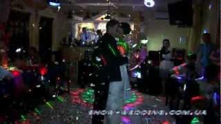 Конфетти машина для первого танца.mpg(Конфетти машина для первого танца жениха и невесты. show-wedding.com.ua., 2012-08-22T20:06:16.000Z)
