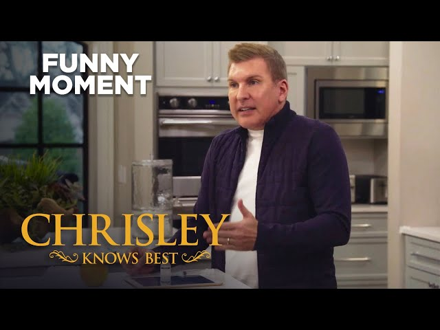 Chrisley Knows Best   Todd Wants To Make A Clone Of Himself   S8 Ep14   on USA Network