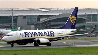 Ryanair's Boeing 737-700 EI-SEV Taking Off at Dublin Airport