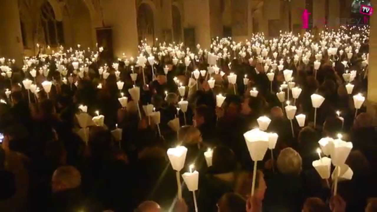 769e procession aux flambeaux dans la basilique de saint nicolas de port youtube - Basilique de saint nicolas de port ...