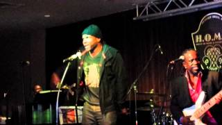 Video Actor/Singer Darius McCrary Rocks Stage at Motown Mondays in Beverly Hills, CA download MP3, 3GP, MP4, WEBM, AVI, FLV September 2017