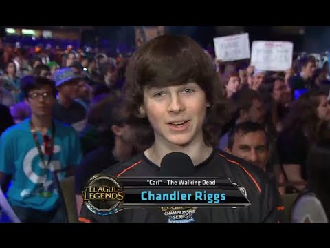 Chandler Riggs aka Carl Coral from the Walking dead talks about his League stream  PAX Prime 2014