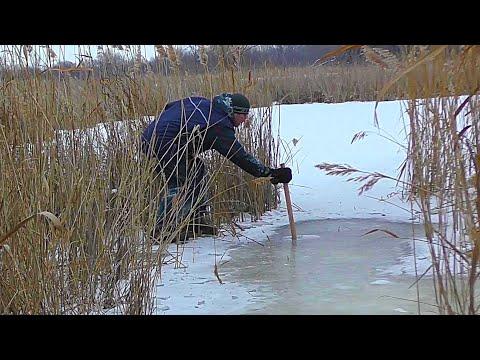 Рыбалка в тёплой лунке